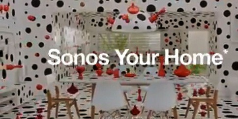 Sonos pub TV pois noirs rouges