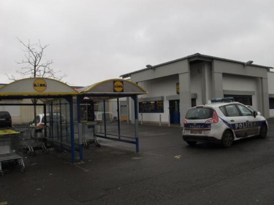 ce matin....  Champigny-sur-Marne : une caissière blessée lors du braquage