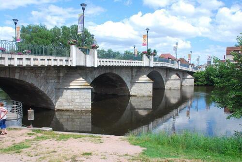 Le pont jeté sur la Sioule à St Pourçain