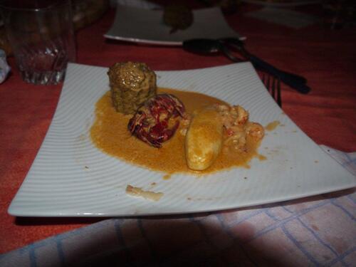 Gâteau de foie et quenelles à la bisque d'écrevisse maison