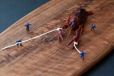 miniature-people-playing-with-food-by-christopher-boffoli-2