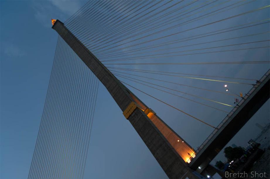 Au rythme du grand fleuve Chao Phraya : Le pont a hauban Rama VIII