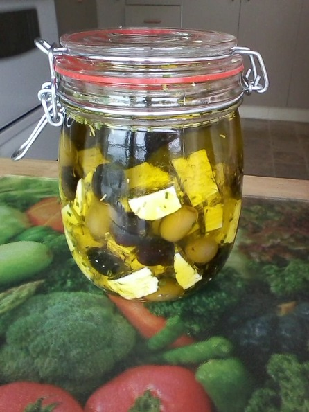 Fromage feta et olives marinés