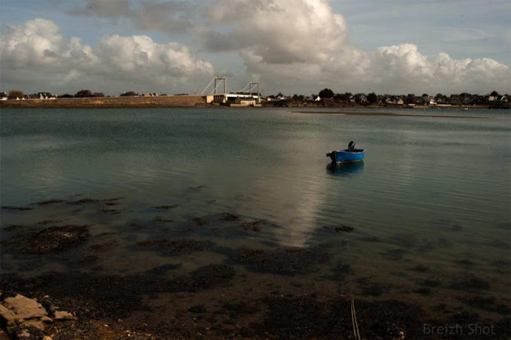 Plouhinec  : Bateaux au port du Vieux Passage