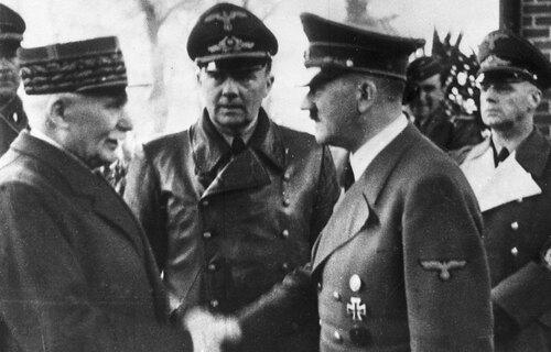* VICHY :  comment un Etat fondé sur des bases républicaines a pu basculer dans la tyrannie et l'antisémitisme organisé ?