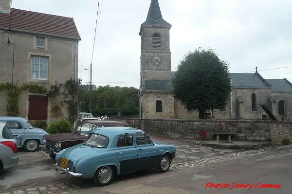 La belle balade de l'Amicale des Mécaniques Anciennes du Châtillonnais (AMAC)