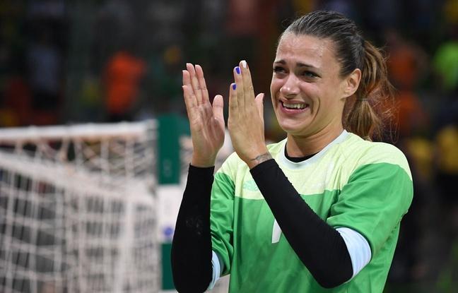 Laura Glauser après la demi-finale des JO contre les Pays-Bas le 18 août 2016.