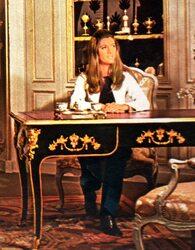 Octobre 1970 : Sheila antiquaire !