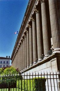 Jean Moulin/Klaus Barbie, la justice de l'Histoire - VF - Diffusé le 12/08/16 à 20h55 sur RMC DECOUVERTE