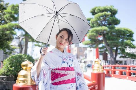 Models in Traditionnal Clothes : 佐野楓 ( N°1 )