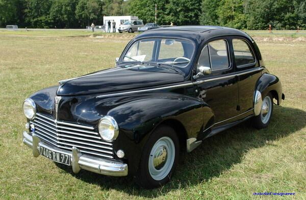 De magnifiques automobiles des années 50 et 60...