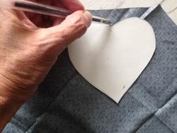 Tuto petits coeurs en tissus pour débutantes.