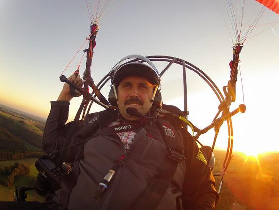 Robert, Pilote Paramoteur