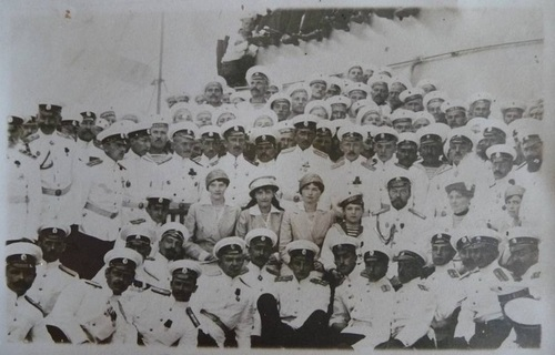 The Imperial family with some sailors: 1915.