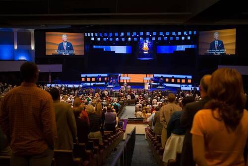 Texas : quand la messe ressemble à un concertspectaculaire
