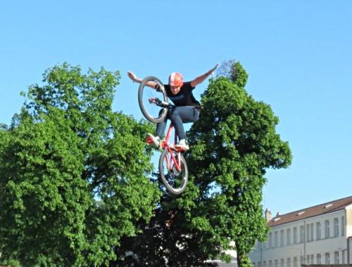 Arrivée à Châtillon sur Seine de la première étape du Tour de Côte d'Or cycliste 2012