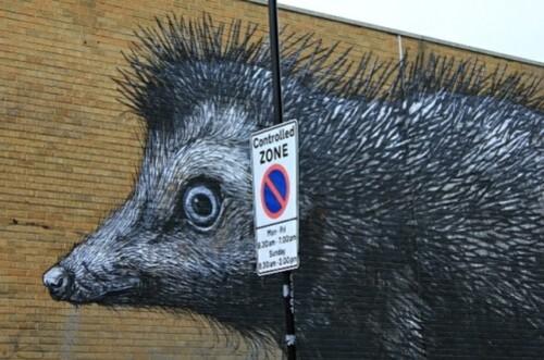 ROA hérisson street-art 1