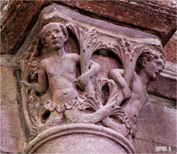 Quelques chapiteaux romans en Basse Auvergne - 3 .