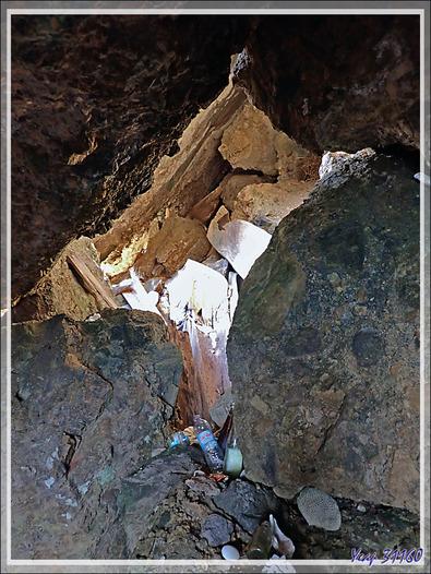 Caverne abritant le tombeau des rois Sakalavas des îles Mitsio - Tsarabanjina - Madagascar