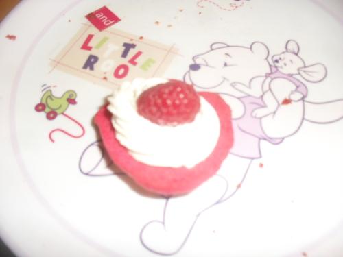 et pour un goûter sympa plein de couleur : des Whoopie Pie vanille framboise