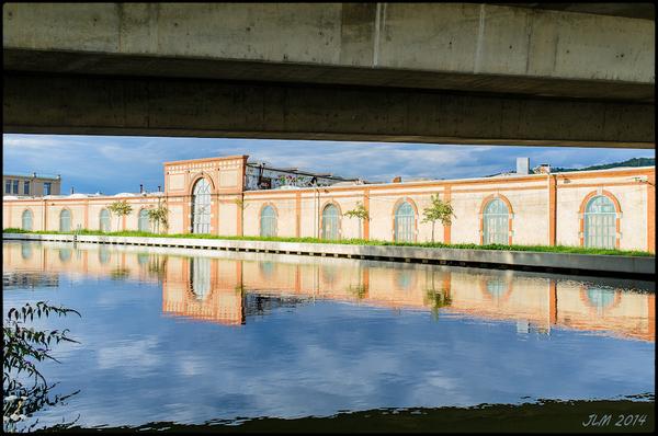 Sous le Pont à coté du Canal