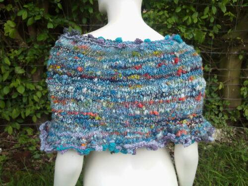 camisole chauffe épaules en laine filée main
