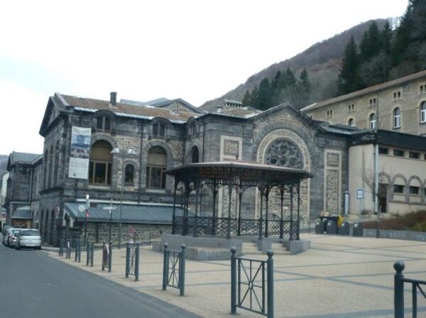 Mont-Dore-lesThermes-22mars.JPG