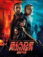 Blade Runner 2049 : En 2049, la société est fragilisée par les nombreuses tensions entre les humains et leurs esclaves créés par bioingénierie. L'officier K est un Blade Runner : il fait partie d'une force d'intervention d'élite chargée de trouver et d'éliminer ceux qui n'obéissent pas aux ordres des humains. Lorsqu'il découvre un secret enfoui depuis longtemps et capable de changer le monde, les plus hautes instances décident que c'est à son tour d'être traqué et éliminé. Son seul espoir est de retrouver Rick Deckard, un ancien Blade Runner qui a disparu depuis des décennies... ----- ...  Origine : américain Réalisation : Denis Villeneuve Durée : 2h 44min Acteur(s) : Ryan Gosling,Harrison Ford,Jared Leto Genre : Science fiction,Thriller Date de sortie : 4 octobre 2017 Année de production : 2017 Distributeur : Sony Pictures Releasing France Critiques Spectateurs : 3,7