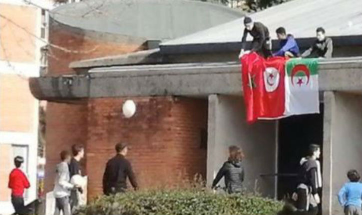 Albi : 3 drapeaux maghrébins hissés sur le toit d'une église, une plainte déposée par un prêtre