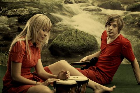 RENEE & RENATO - Save Your Love, par Leyli Nostalji.  (Romantique)