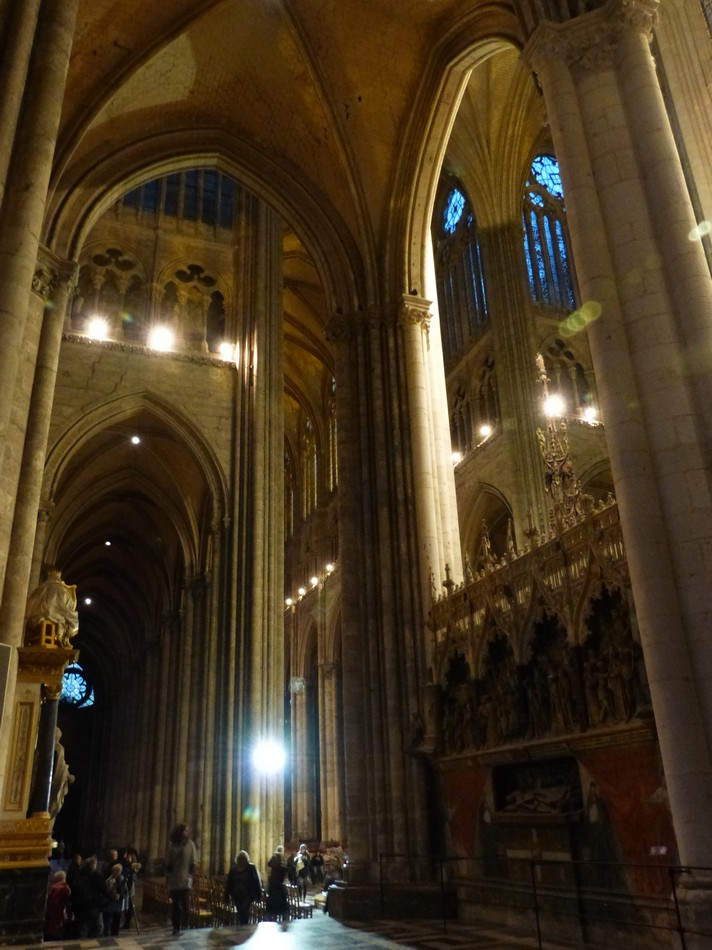 La cathédrale, la nuit (2)