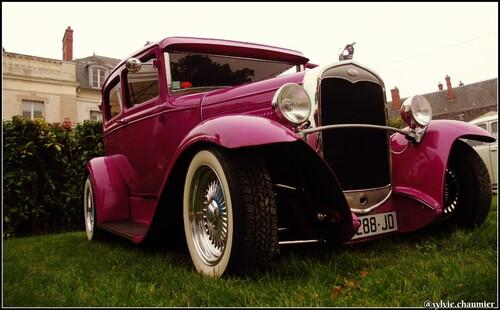 8 eme Festival  de voitures Anciennes  le 4/10/2015 À Dourdan(91)
