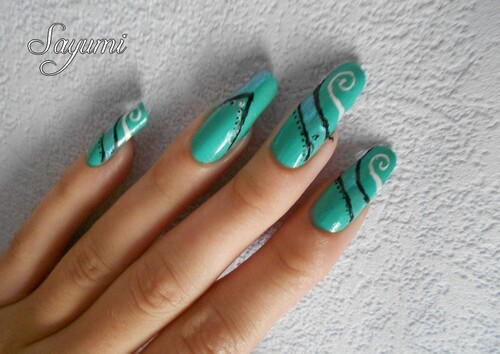 Nail Art Futuriste
