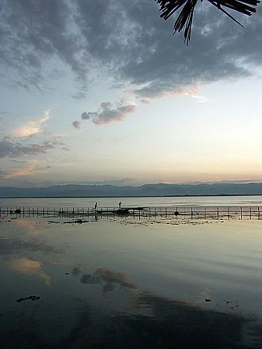450px-2006-11 Birmanie - Lac Inle