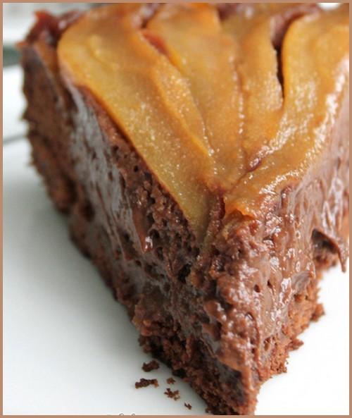 Gâteau renversé chocolat poiure