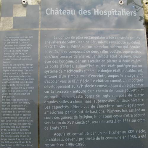 - Un si joli village: Le Poët Laval