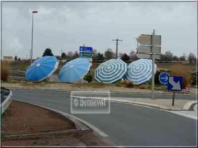 Rond-point Saint-Georges-de-Didonne Charente-Maritime Transats et parasols J.L.Plé Poitou-Charentes