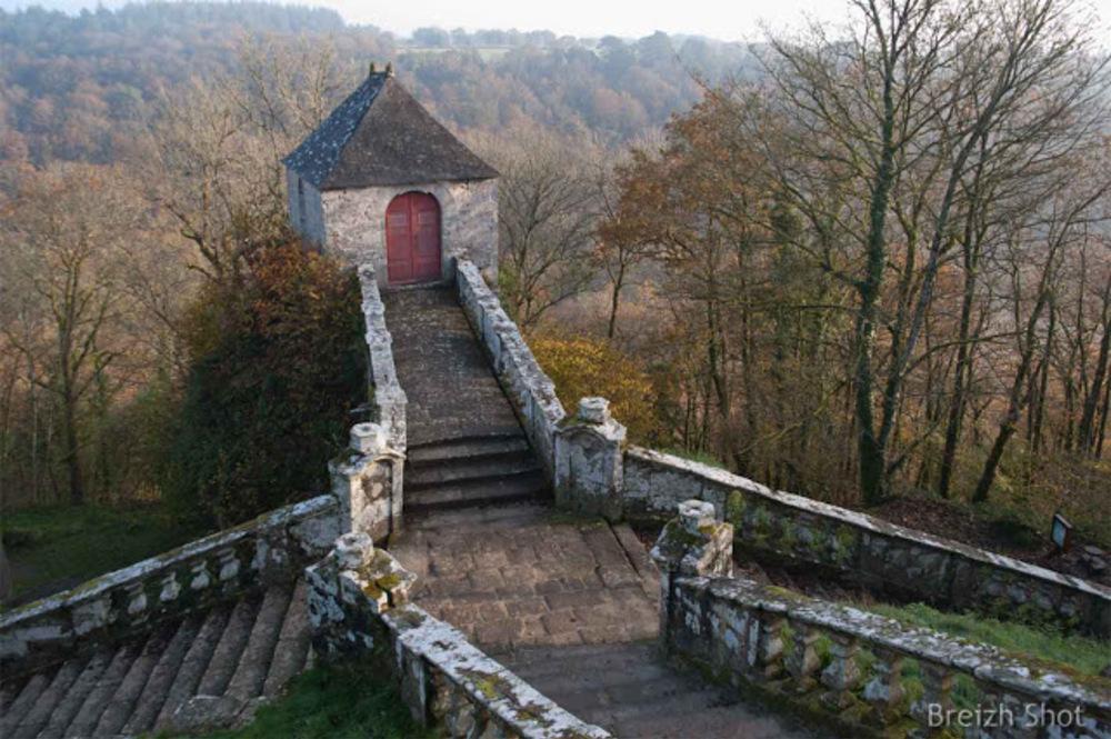 Sainte Barbe Faouët escaliers balustre-oratoire