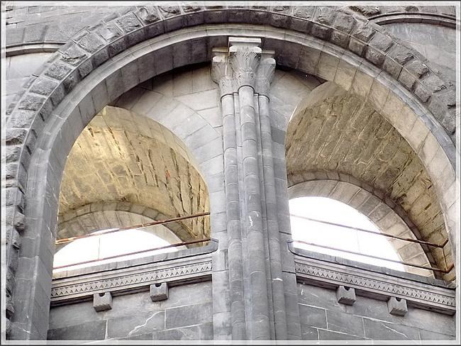Lourdes sous un autre angle