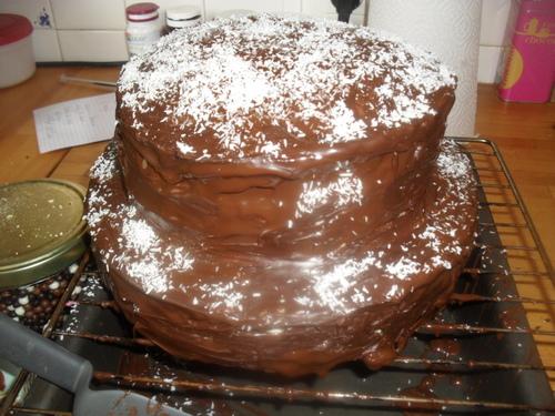 Ce week end, c'était anniversaire de mon loulou, et donc...RAINBOW CAKE