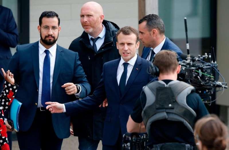 «Alexandre Benalla n'a jamais été mon amant» : quand Macron répond aux rumeurs