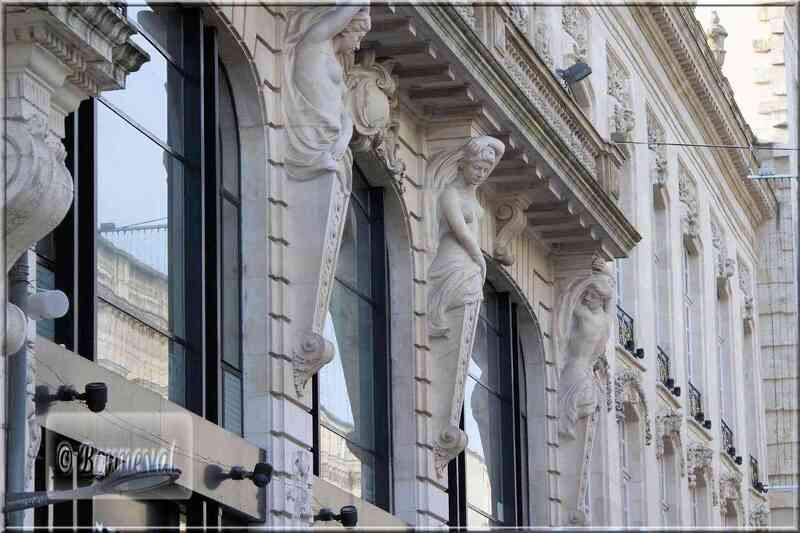 Bordeaux cours de l'Intendance cariatides
