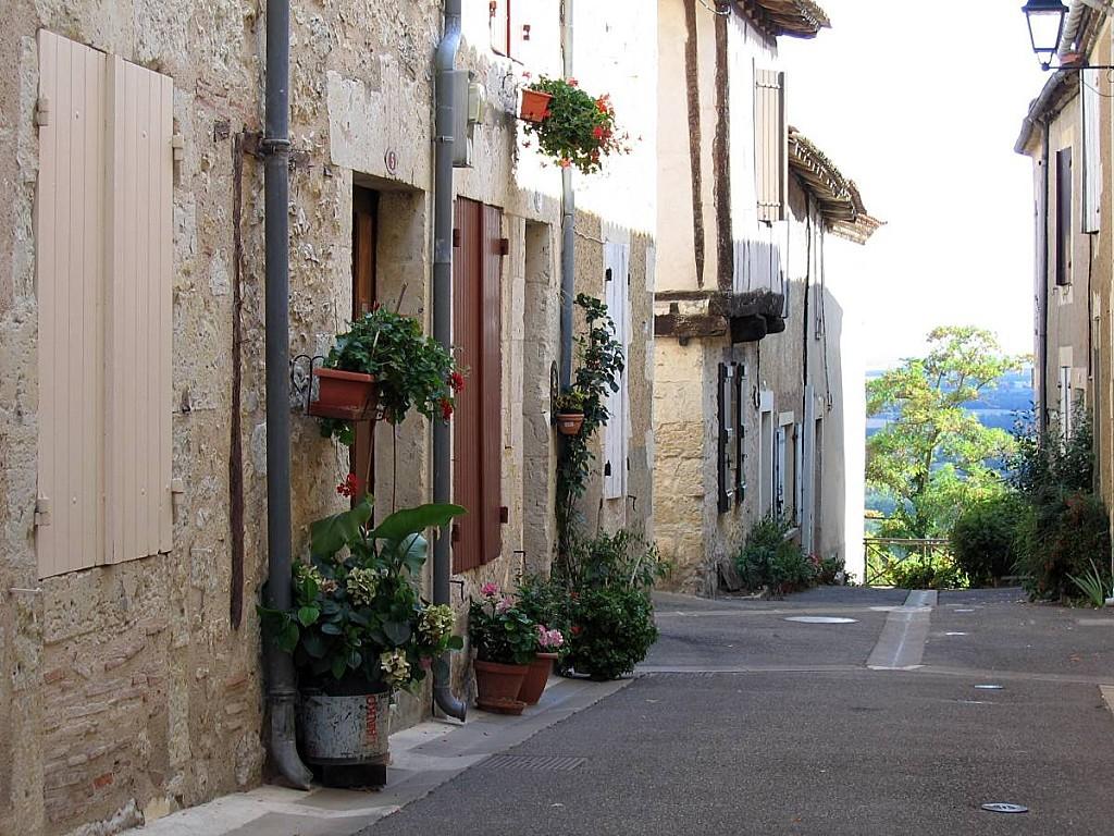 Petite-rue-Lectoure.jpg