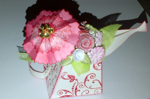 Scrap- Arrosoir fleuri, vive le primtemps...