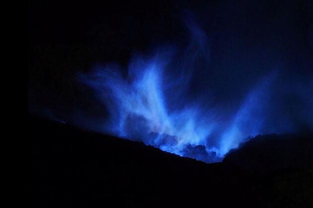 Le volcan Ijen, la nuit, Indonésie