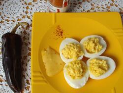 Œuf mimosa, mayonnaise au piment d'Espelette