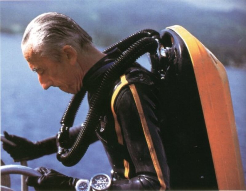 Le Commandant Cousteau TIw81pIqpcMDXc8z4OqhL-R1k4Y@800x620