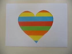 Fête des mères - coeur en bandes colorées