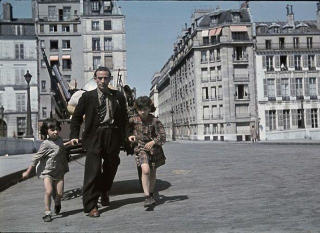 Andre Zucca: Nazi Propaganda Photos - Paris during WW250