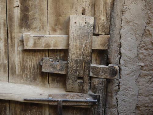 La porte d'entrée et ses serrures